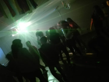 teen-party-05